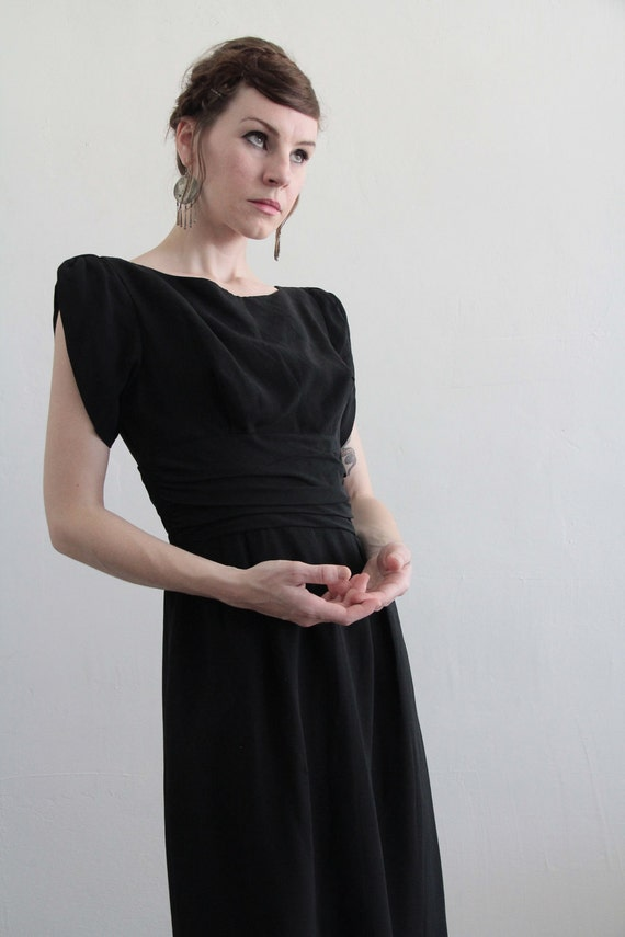 Vintage 1950s Dress . LBD. Gathered Waist . Mid Century . Black Cocktail Gown . Size Small