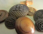 Vintage Buttons - Lot of 8, Sophisicated stylish mix, metals, wood and celluloid old and unique (206)