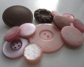 Vintage Buttons - lot of 12 lovely pink and brown, large buttons (1472)