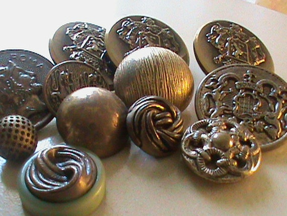 Vintage  Buttons -  lot of 12 crested and assorted novelty gold metal antique finishes (lot no.464)