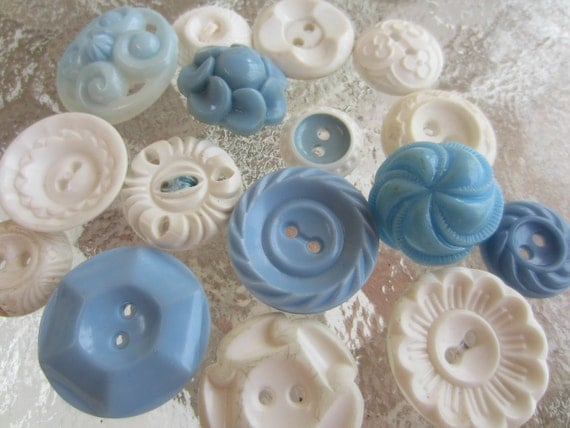 Vintage Buttons - Cottage chic mix of blue and off white, old and sweet - 15 total (1254)