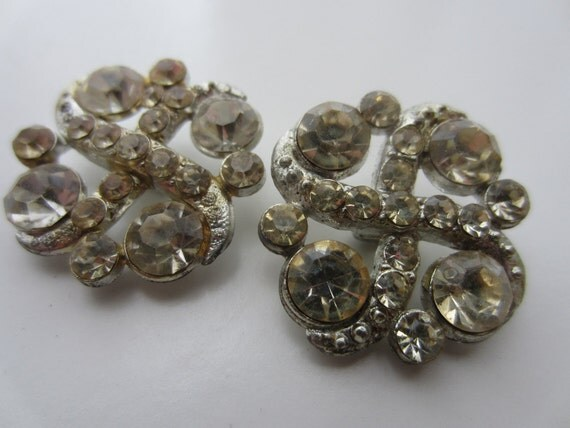Vintage Buttons -2 beautiful 7/8 inch matching rhinestone unique design embellished estate sale buttons.(lot 1715)