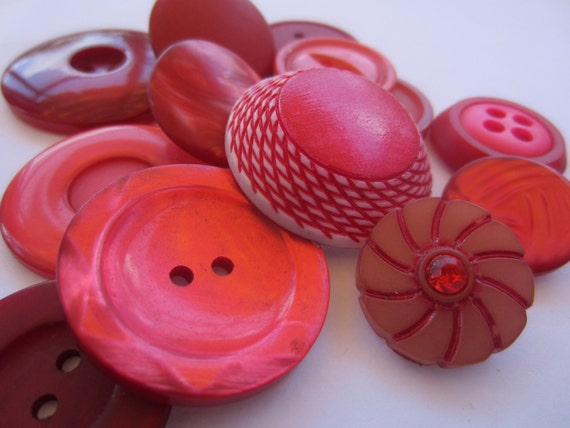 Vintage Buttons - Cottage chic mix of  lipstick reds,  13  total (1920)