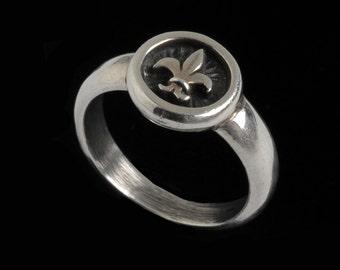 Fleur de lis Ring, B.C. Silver Collection         6508S
