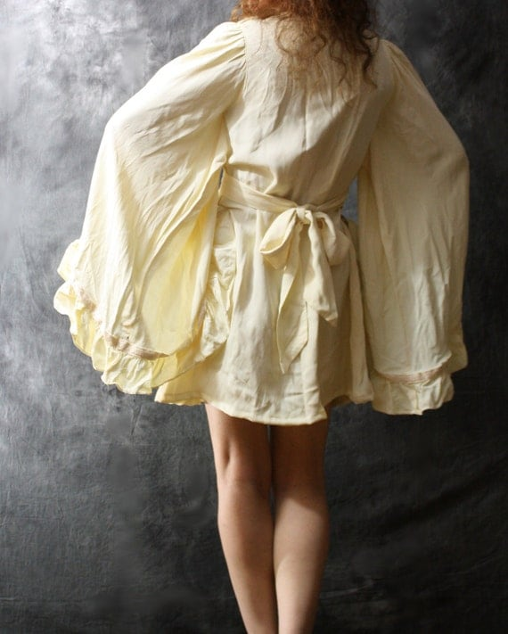 Vintage 70s Dreamy Massive Angel Sleeve Dress