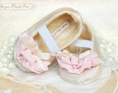 Charlotte baby shoe/booties in cream and pink