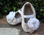 The Eloise baby shoe\/bootie\/slipper