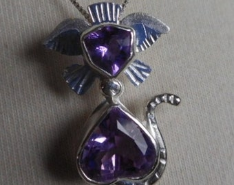 "Chameleon Cat, Amethyst, Zandrite, Cat, Heart shaped, Purple, Blue,  Heart-Shaped Body, Color-Change, Face, Crazy Cat Lady, 18"" box Chain"