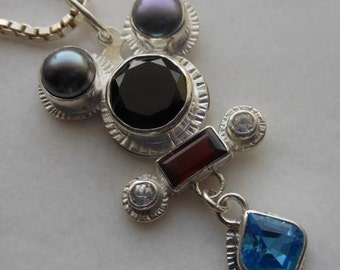 Fancy Mouse with Its Own Pendant, Let's Go Out, Swiss Blue Topaz, Black Spinel, Peacock Pearl,  Garnet, White Zircon,