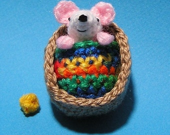 PDF Crochet Pattern TINY MOUSE in Walnut Shell