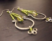 G r e e n  T e a - Green and silver hand hammered wire and bead earrings - ooak