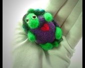 """Felted turtle """"Nigel"""" with origami box"""