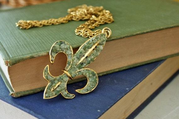 vintage 60s Fleur de Lis Crushed Stone Necklace