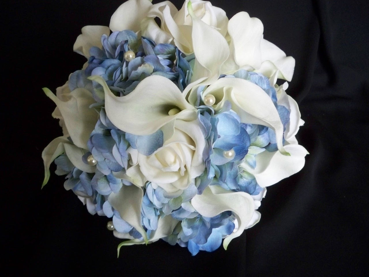 Bridal Bouquet With Calla Lilies And Hydrangeas : Blue hydrangea and white realtouch calla lilies roses