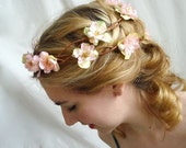 sweet treat - delicate floral wreath w/pearls