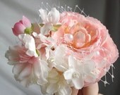 evelyn - a delicate floral hair clip