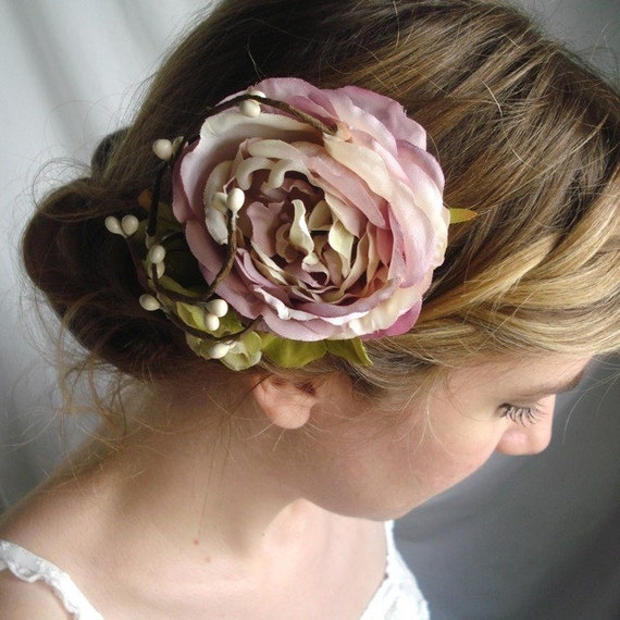 whimsy - a floral clip