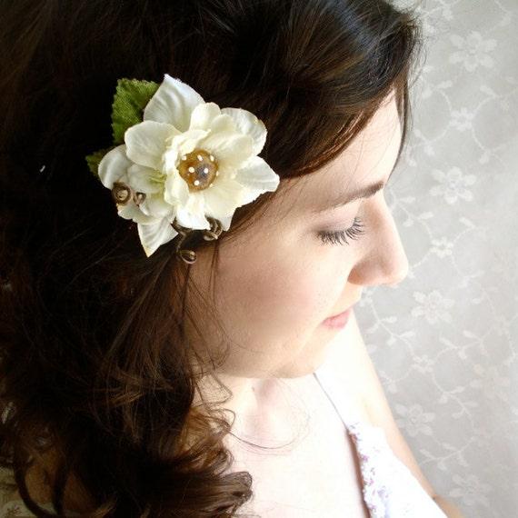 woodland hair clip - FAE - ivory flower, mushroom, foliage accessory