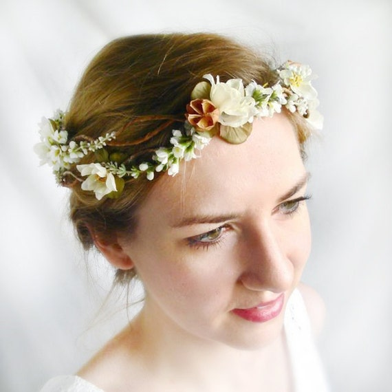 rustic wedding headpiece - SIMPLICITY - white bridal hair wreath, flowers, clover