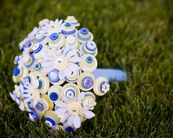 Daisy Path Button Bouquet
