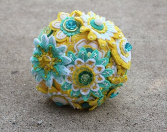 Custom Color 12 Stem Bridesmaid Felt and Button Bouquet