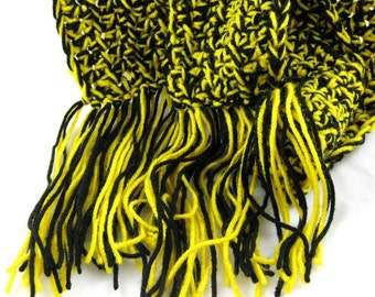 Baby Bumblebee kid size black and yellow twist crochet scarf