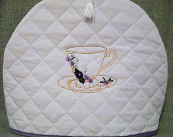 Quilted Tea Cozy /White with Tea Cup