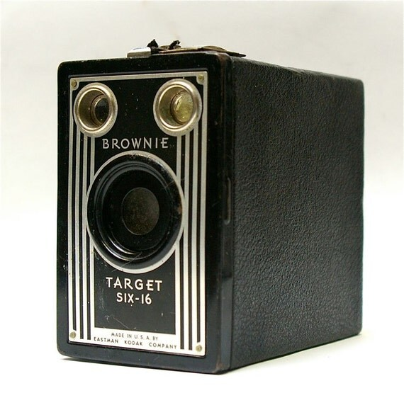 Antique Kodak Brownie Target Six-16 Box Camera 1946-1951