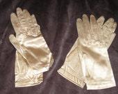 Vintage Women's Gold Gloves