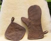 Leather Bar B Q or kitchen super mitt and potholder