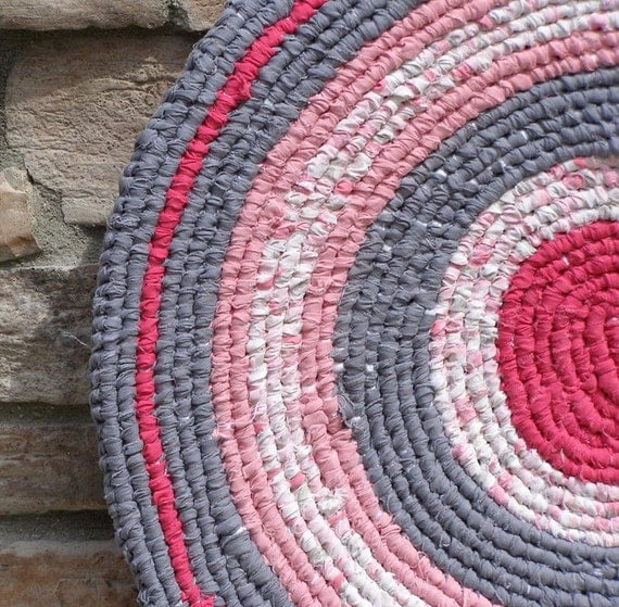 Round Rag Rug Black And White: Lovely In Pink And Gray Round Hand Knotted Toothbrush Rag Rug