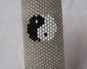 Pearlized Yin Yang Sign Beaded Lighter cover