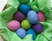 "Easter Basket Green Playsilk / Ecofriendly Easter ""Grass"" / Waldorf Natural Open Ended Imaginative Play / Easter Eggs Bunny"
