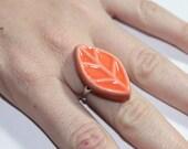 Ceramic Leaf Ring