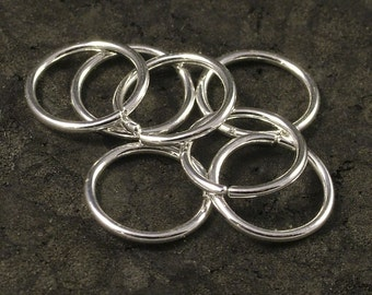 Tiny Silver Hoops / Sterling Silver Small Hoop Earrings Catchless Seamless/  Nose / Cartilage / Tragus / Helix  Ring  (7)