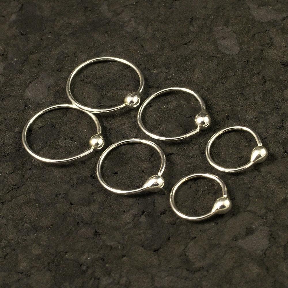 small silver hoop earrings tiny little hoops by metalrocks. Black Bedroom Furniture Sets. Home Design Ideas