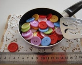 50 pieces of acrylic round button, mixed color, 24 mm (00613)