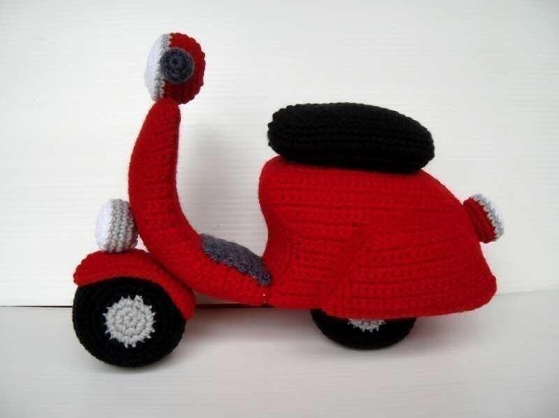 Vespa Amigurumi Schema Gratis : Crochet Pattern SCOOTER toys in PDF 00462