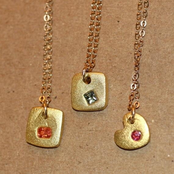 ORO E ZAFFIRO Gold and Sapphire Pendant Necklaces