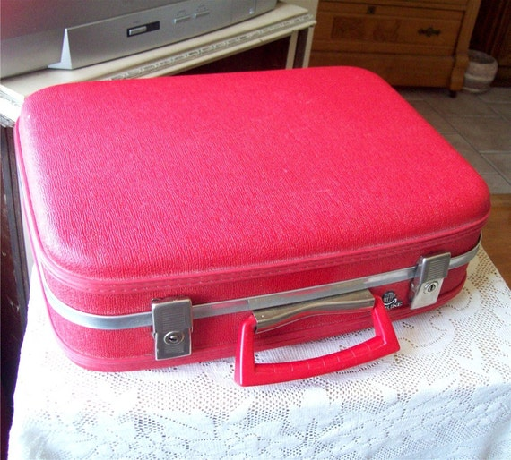 Makeup Overnight Train Case Red Holiday Luggage Travel Vanity