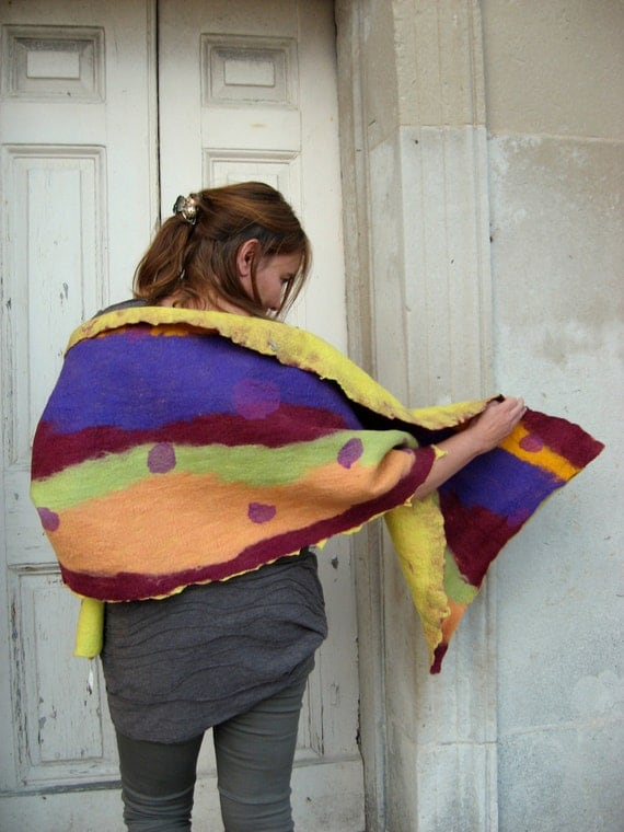 Felted Wrap - Two different sides Spotted