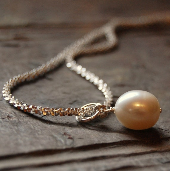 Plump White Fresh water pearl Pendant with sparkling chain