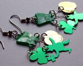 St Patricks Earrings Luck of the Irish Green & Gold Confetti Dangles Plastic Sequin Jewelry