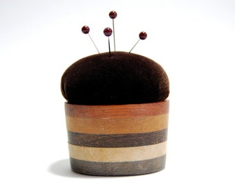 Pincushion 'Wood Tub'
