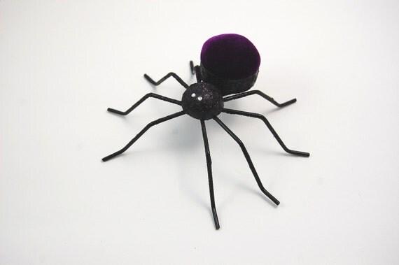 Spider Pincushion Glitter