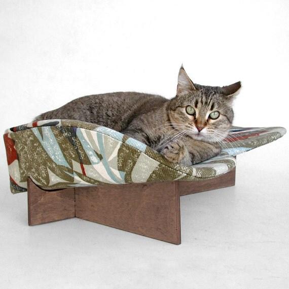 Retro Modern Pet Bed in Mod Olive Rust Blue