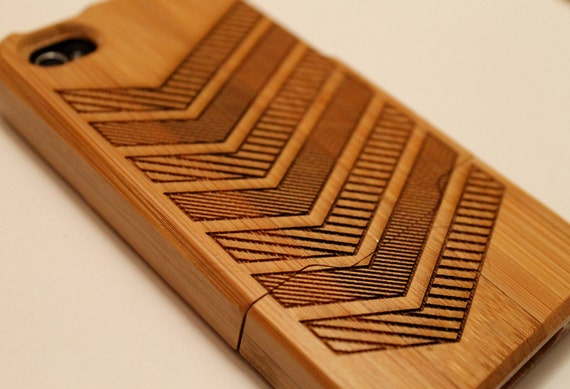 Chevron: Natural Bamboo iPhone 4S Case (Ready to ship)