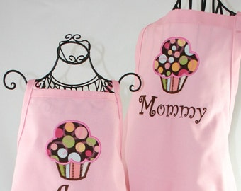 Mother Daughter Apron set, Personalized Apron, Matching Mother Daughter Apron, Cupcake Apron Set,  Yummy Cupcake Apron Set