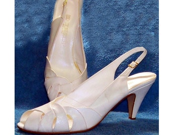 70s white shoes open toe slingback Red Cross white leather 10 M