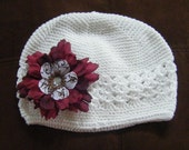 White beanie hat w\/ flower clip